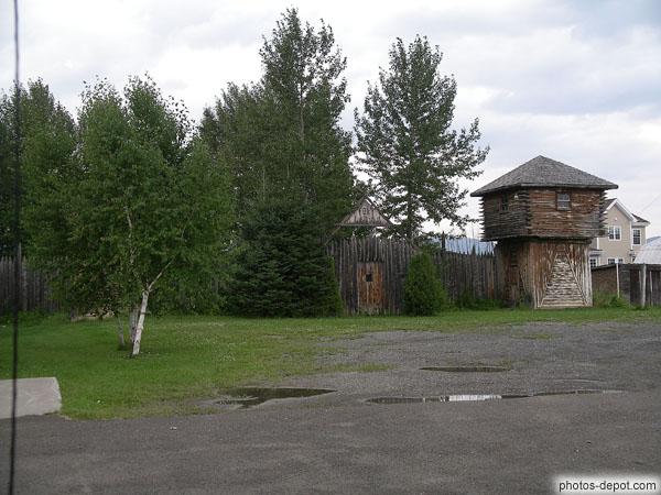 Photo de fort en rondins de bois