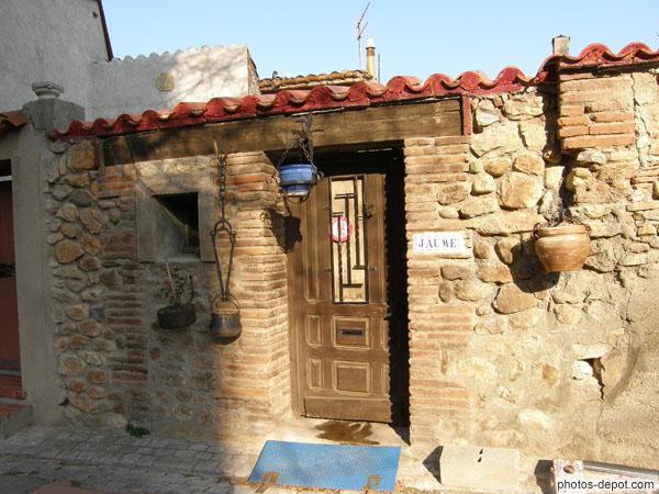 Vieille maison de briques et pierres for Vieille maison en pierre