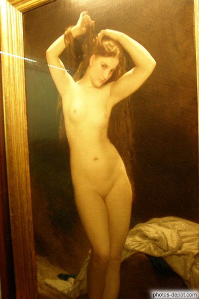 Peinture au couteau femme nue mains dans les cheveux