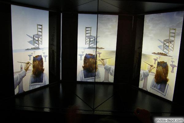 Effet d 39 optique avec 2 tableaux et miroir for Photo effet miroir